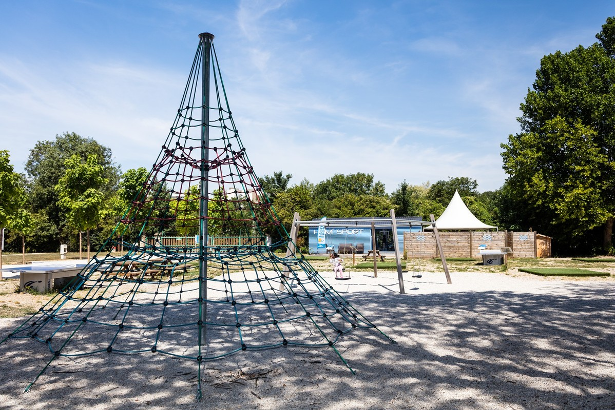 Camping Paris Est, France, Ile-de-France, Paris-Champigny